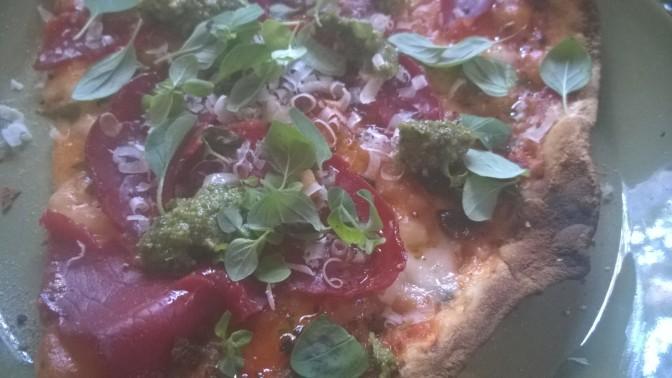 Pizzaa, pizzaa, pizzaa; kastike ja täytteet