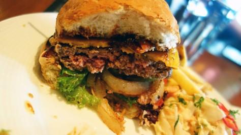 leikattu burgeri