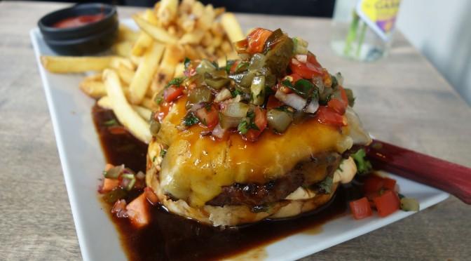 Kujan burgerissa yhdistyy innovatiivisuus ja herkullisuus