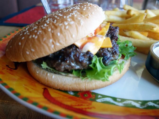Blancco Grill & Döner; itse tehtyä döneriä, burgereita ja muita lihaisia herkkuja